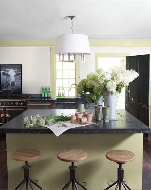 Country Kitchen With Modern, Fresh Appeal